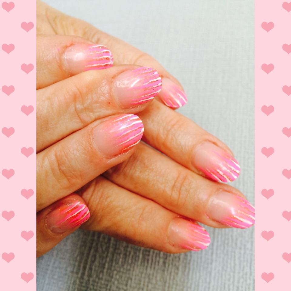 Acrylnagels met coloracryl en nailart