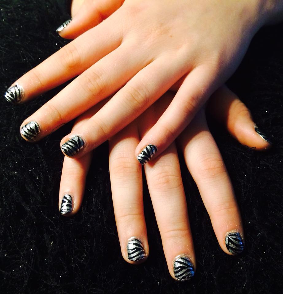 Gelakte nagels met Vinylux en stamping nailart